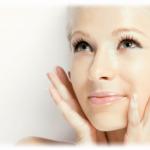 """Употребата на козметика може да """"съхрани"""" лицето"""
