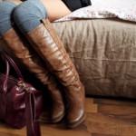 Как да съчетаем дамските боти и чантите
