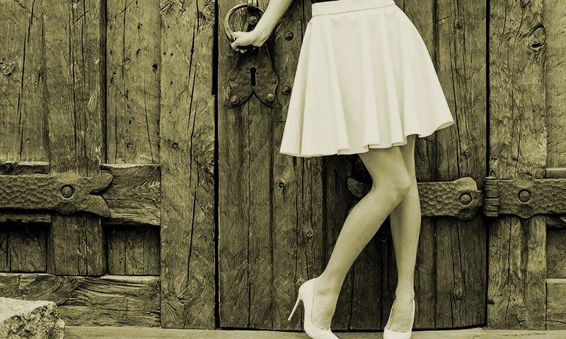 Елегантни дамски поли: 3 причини да ги имаме в гардероба си