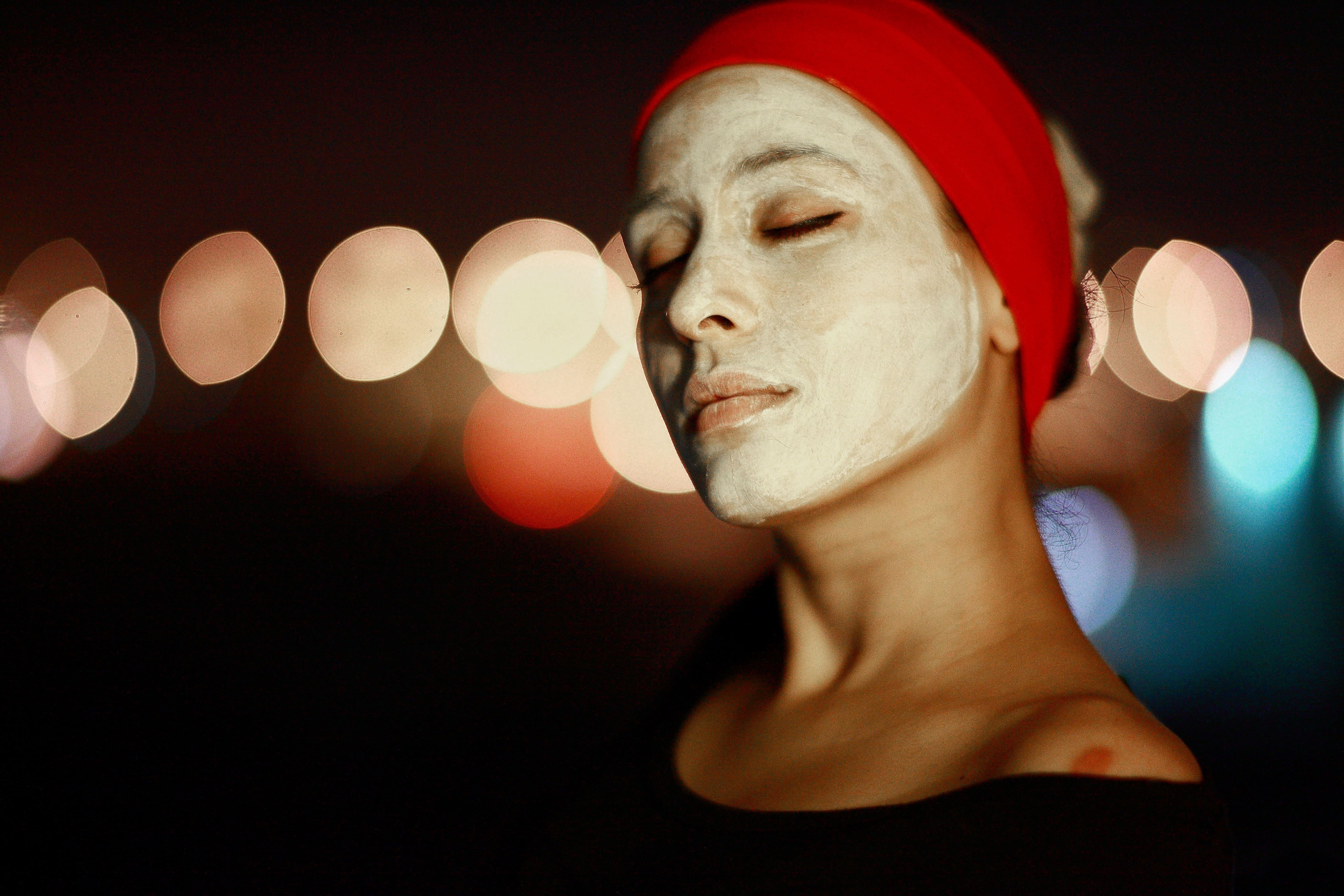 Грижа за зряла кожа – как да запазите младежкия вид