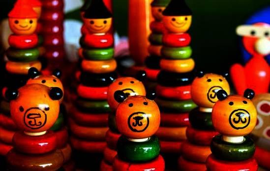 Дървени играчки – защо децата имат нужда от тях