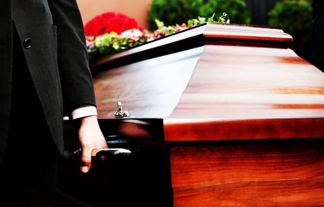 Дървени или метални ковчези – кой е по-добрият избор